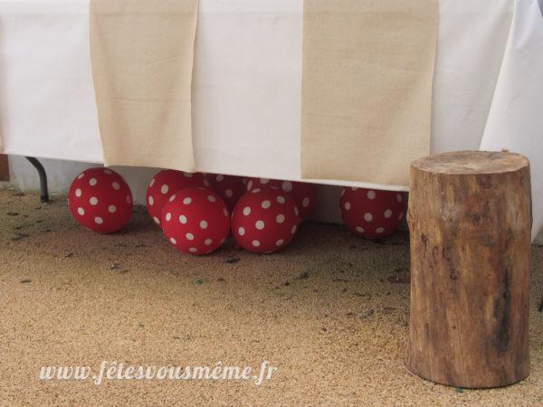Ballons rouges à pois blancs champignons 2 - Fêtes vous même